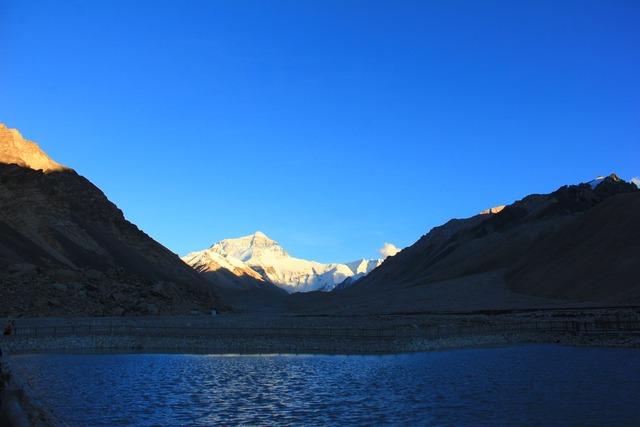 Mount everest himalayas lhotse.