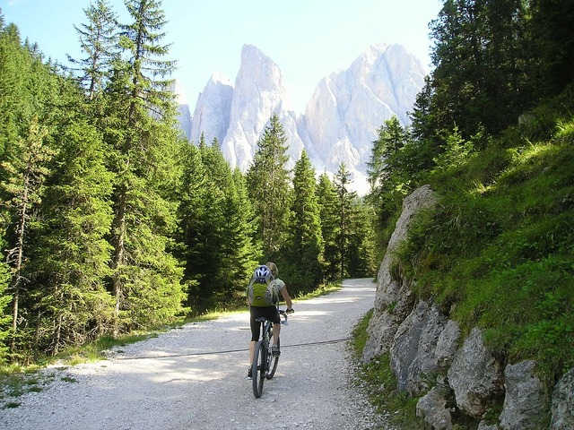 Mountain bike bike tour.