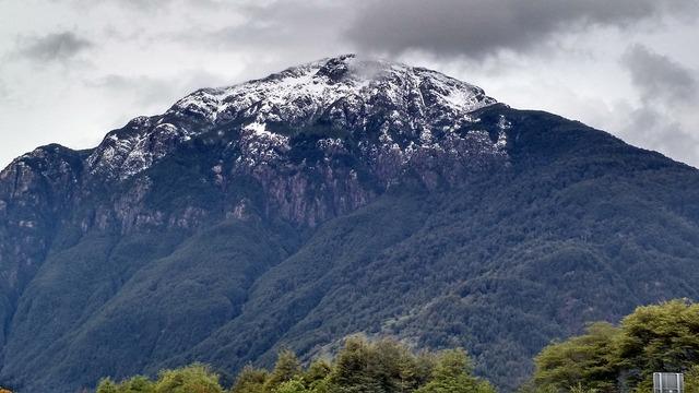 Mountains puerto cisnes aysén region.