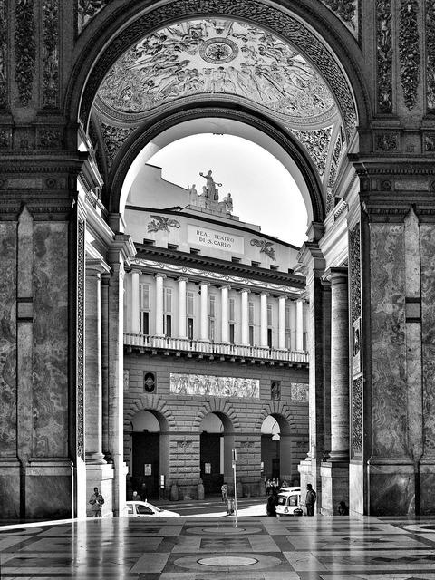 Naples gallery teatro.