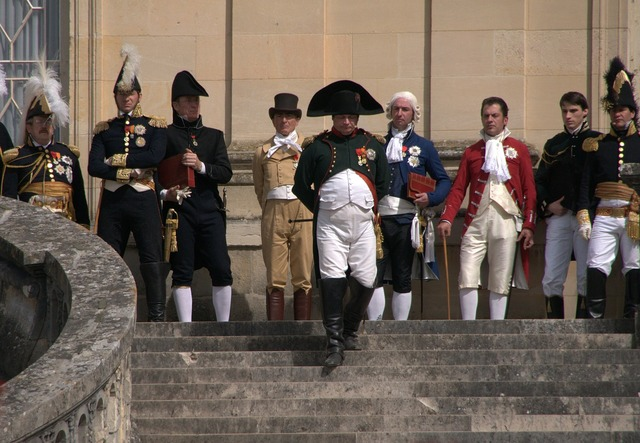 Napoleon goodbyes fontainebleau, places monuments.