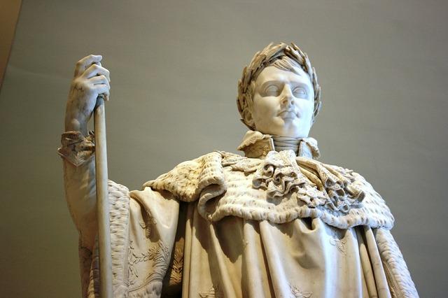 Napoleon sculpture louvre.