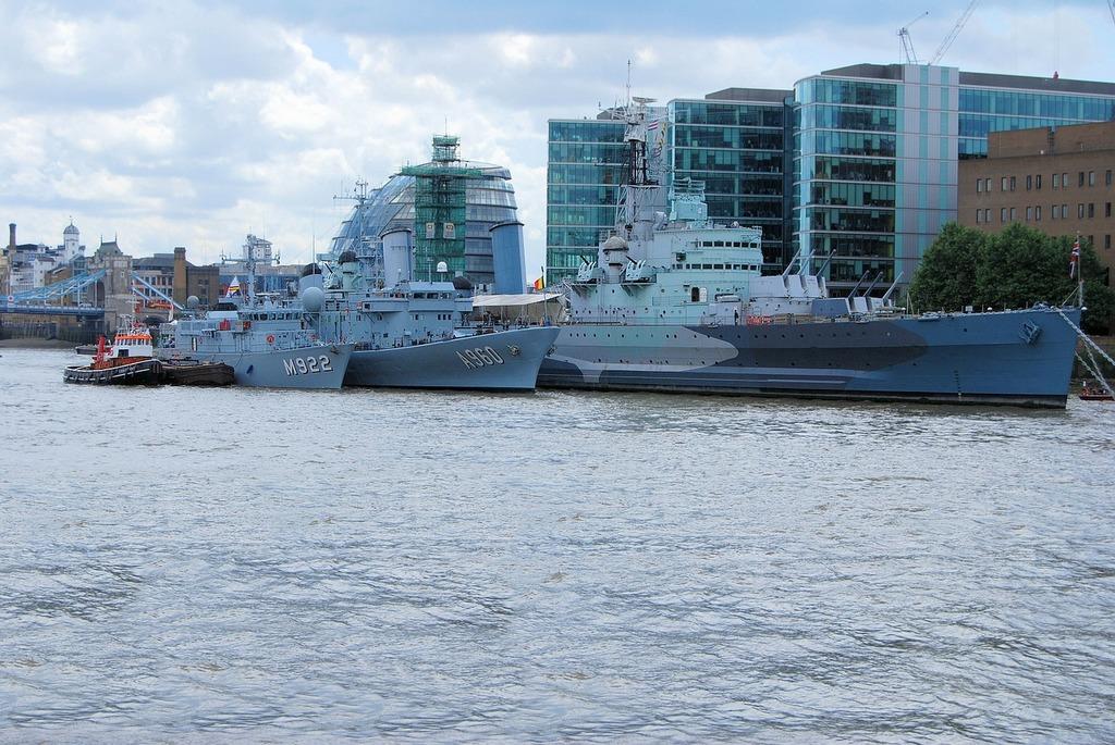 Navy boats ships.
