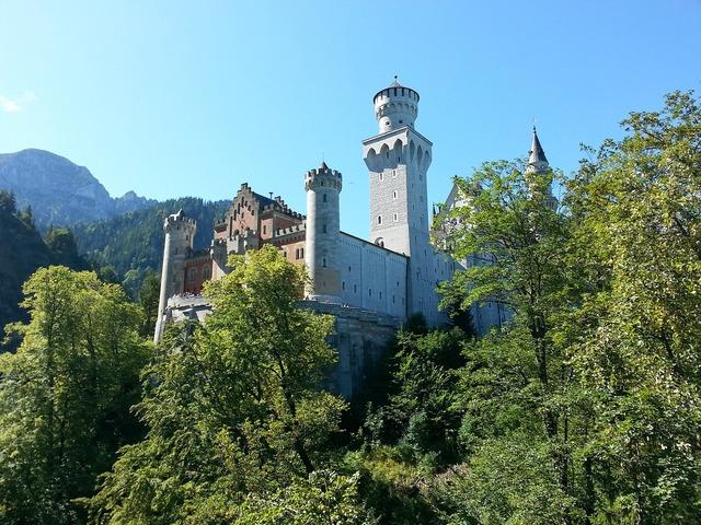 Neuschwanstein castle castle neuschwanstein.
