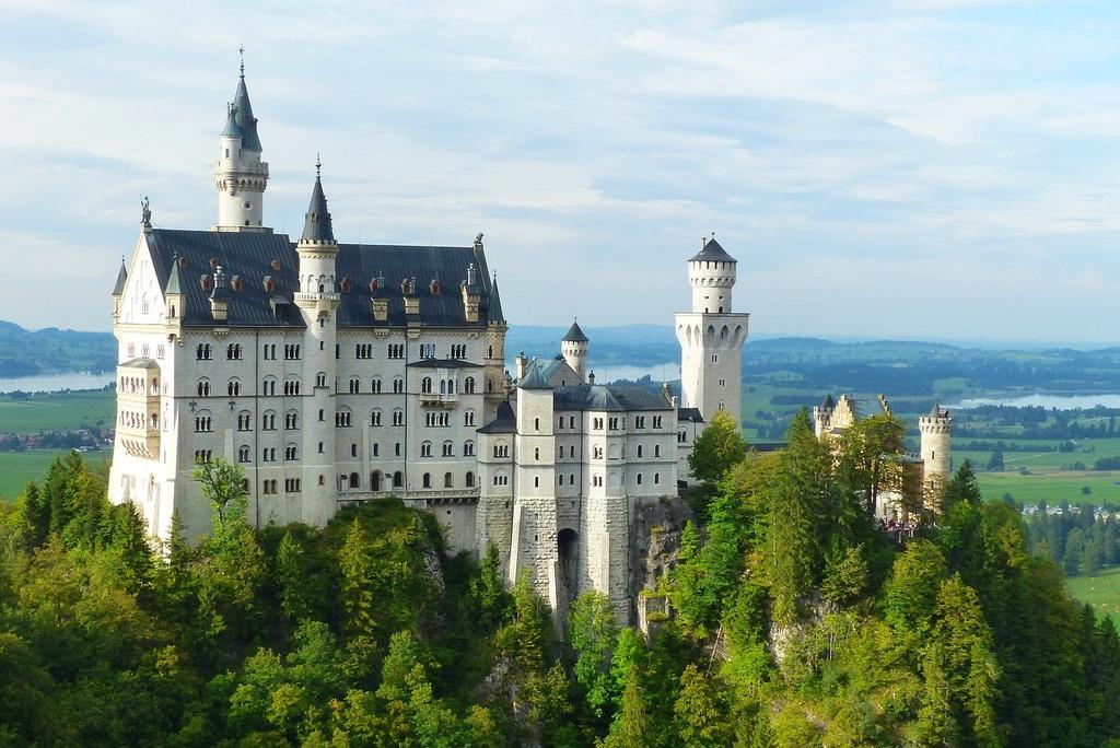 Neuschwanstein castle kristin fairy castle, architecture buildings.