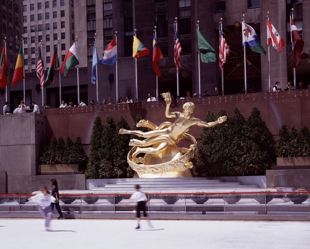 New york city rockefeller center ice skating, places monuments.