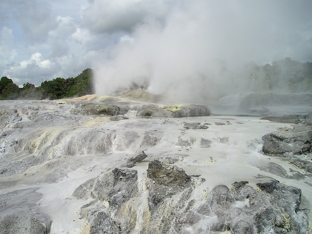 New zealand geysers volcanism.