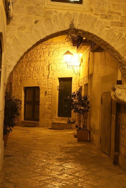 Night alley italy.
