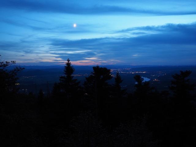 Night dark view.