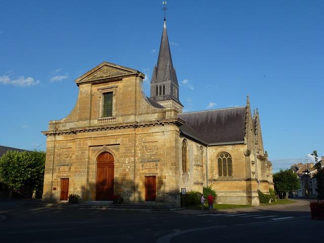 Notre dame attigny church, religion.
