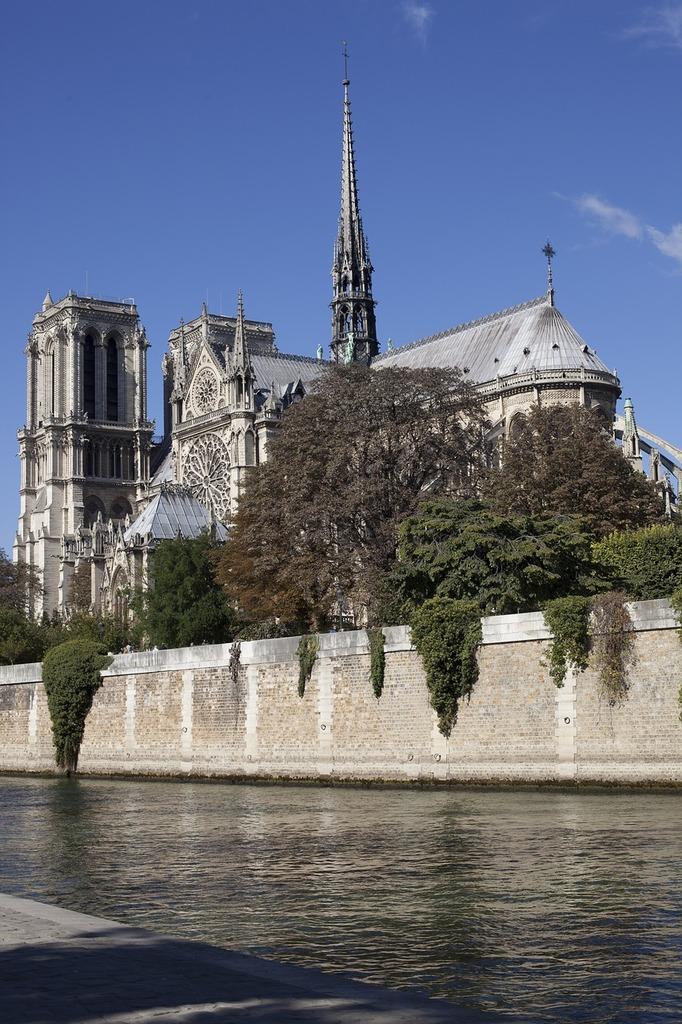 Notre dame paris france, places monuments.