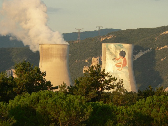 Nuclear plant cruas ardèche, industry craft.