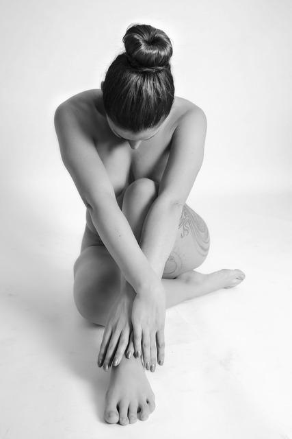 Nude female model, beauty fashion.