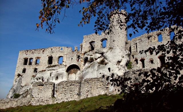 Ogrodzieniec poland castle, architecture buildings.
