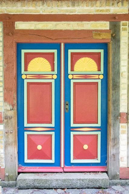 Old door cassette door ornaments, architecture buildings.