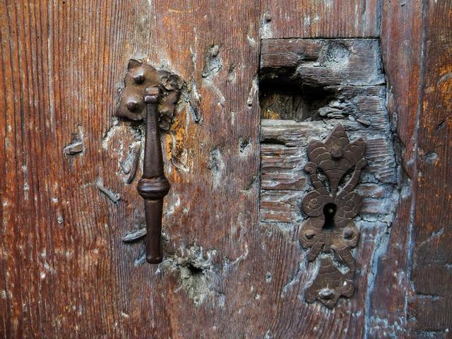 Old door door lock.