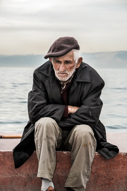 Old man old man, people.