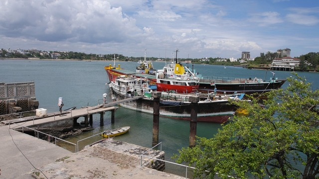 Old port mombasa kenya, transportation traffic.