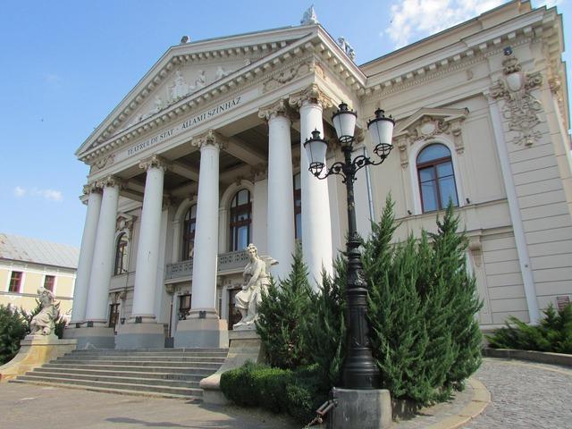Oradea transylvania crisana, architecture buildings.