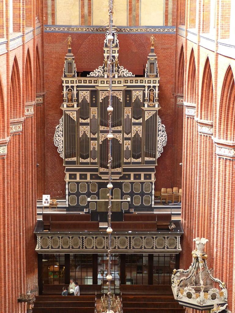 Organ wismar church, religion.