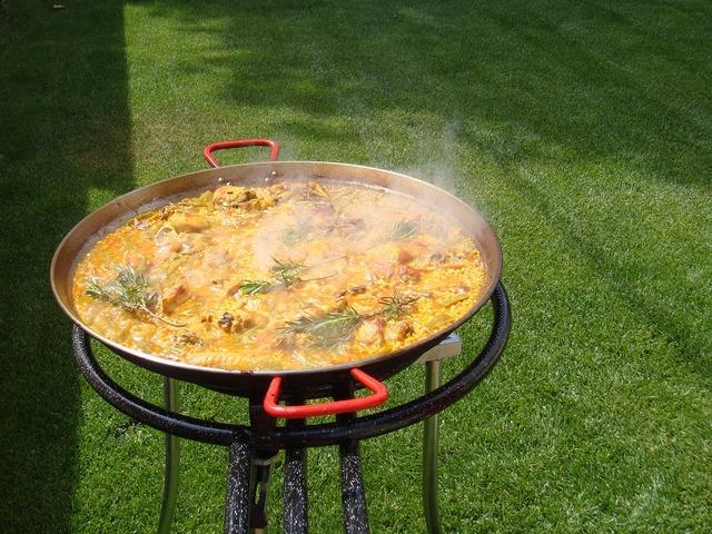 Paella valencia rice.