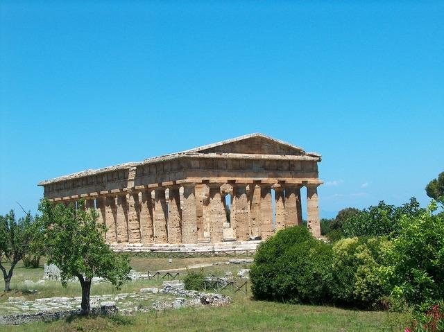 Paestum temple ruin, religion.