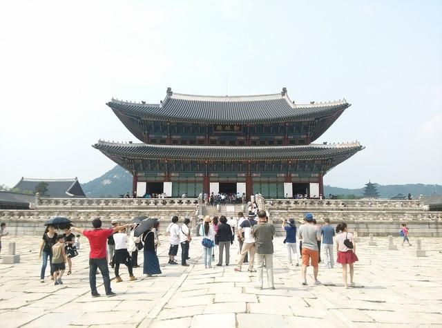 Palaces palace gyeongbok palace.