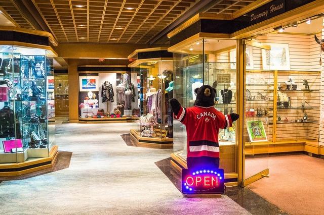 Pan pacific hotel bear shops.