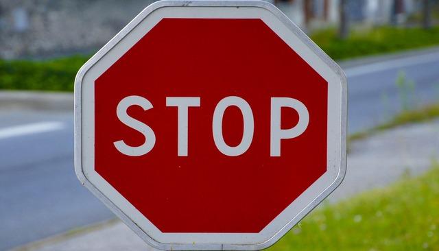 Panel stop signalling, transportation traffic.