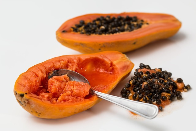 Papaya tropical fruit pawpaw.