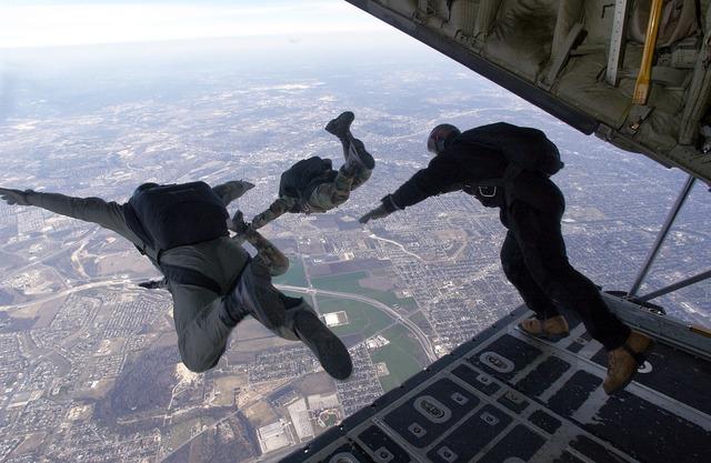 Parachute skydiving parachuting.