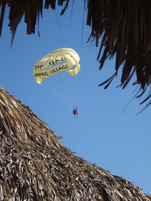 Parachute vacation adventure, travel vacation.