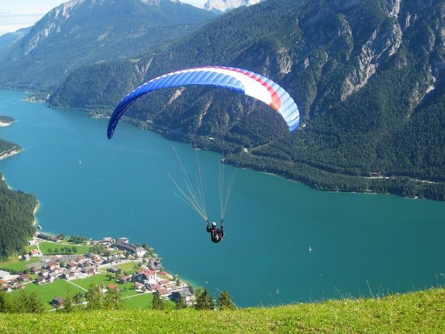 Paragliding paraglider fly.