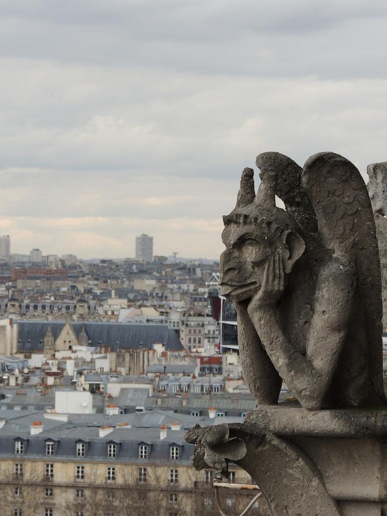 Paris gargoyle grotesque, places monuments.
