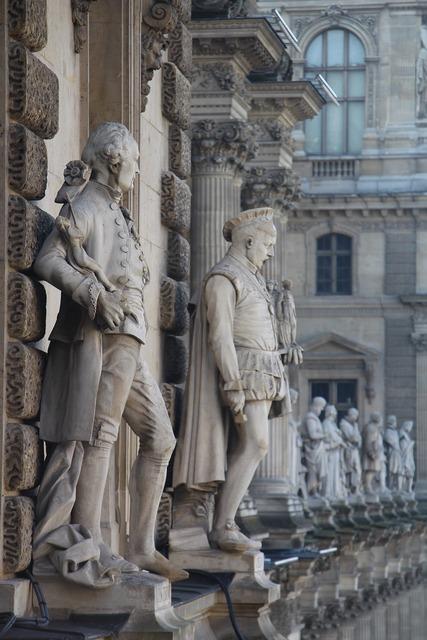 Paris louvre museum.