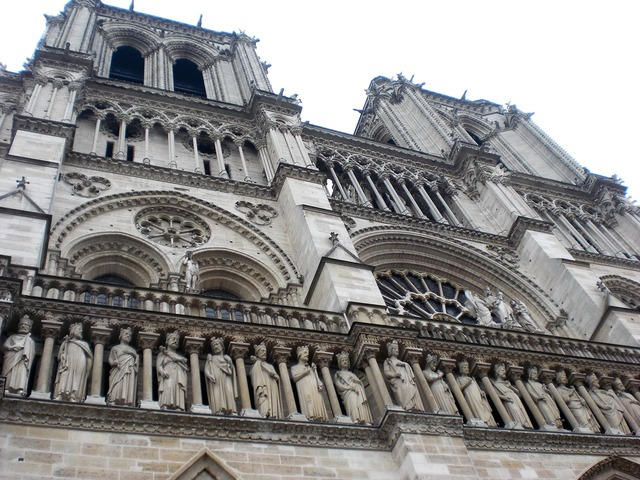 Paris notre dame church, religion.