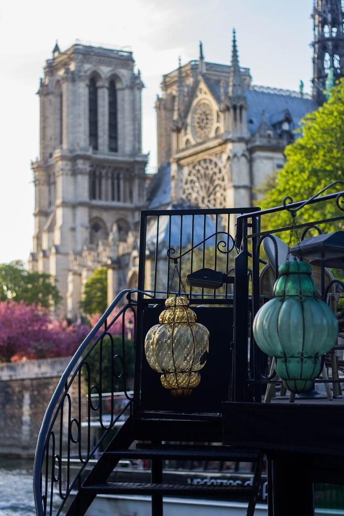 Paris summer lamps.