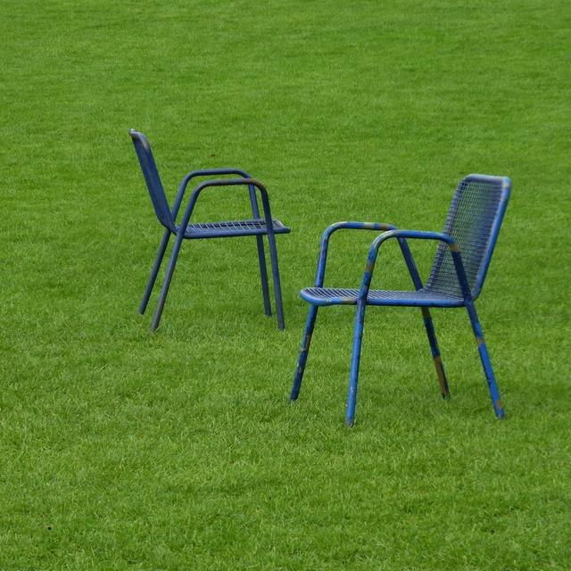 Park chairs rush.