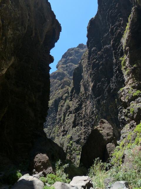 Passage masca ravine rock.