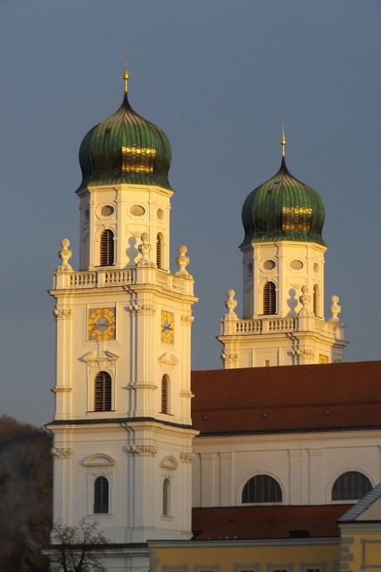 Passau dom church, religion.