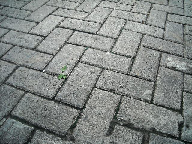 Paving block cement box, transportation traffic.