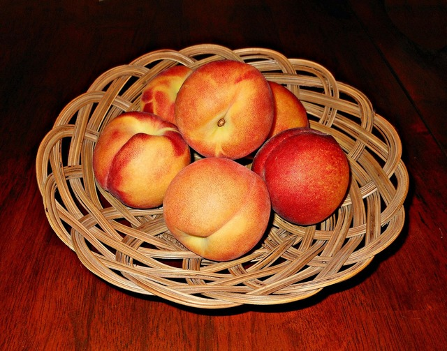 Peaches fruits baskets.