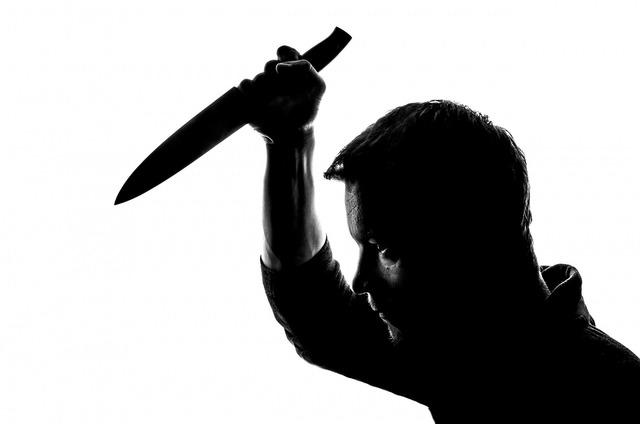 People knife stabbing, people.