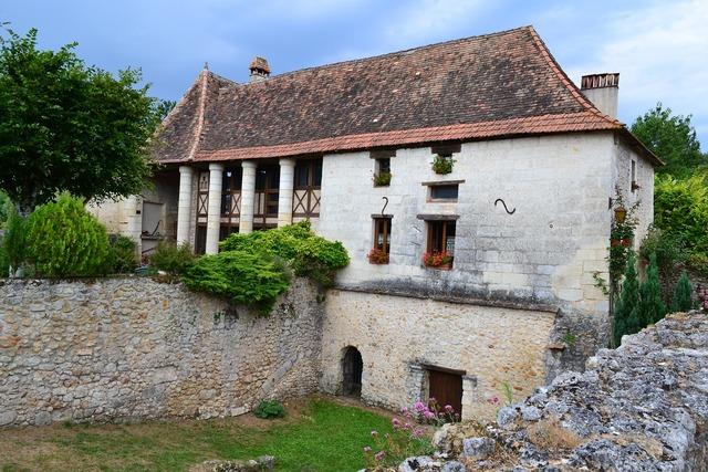Perigord house medieval house périgord.