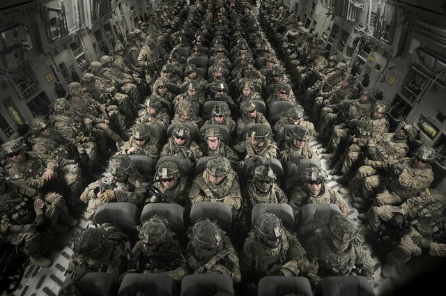Personnel men women, transportation traffic.