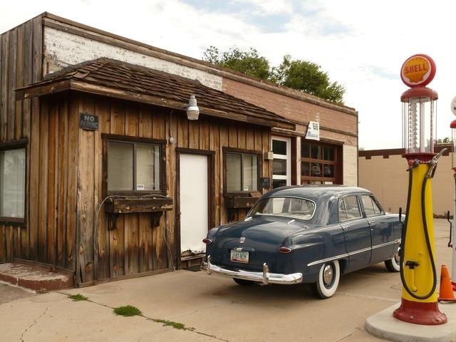 Petrol stations auto oldtimer.