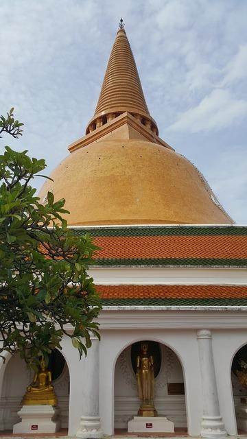 Phra pathom chedi pagoda sathup, religion.