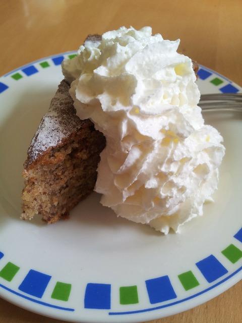 Piece of cake cake hazelnut, food drink.