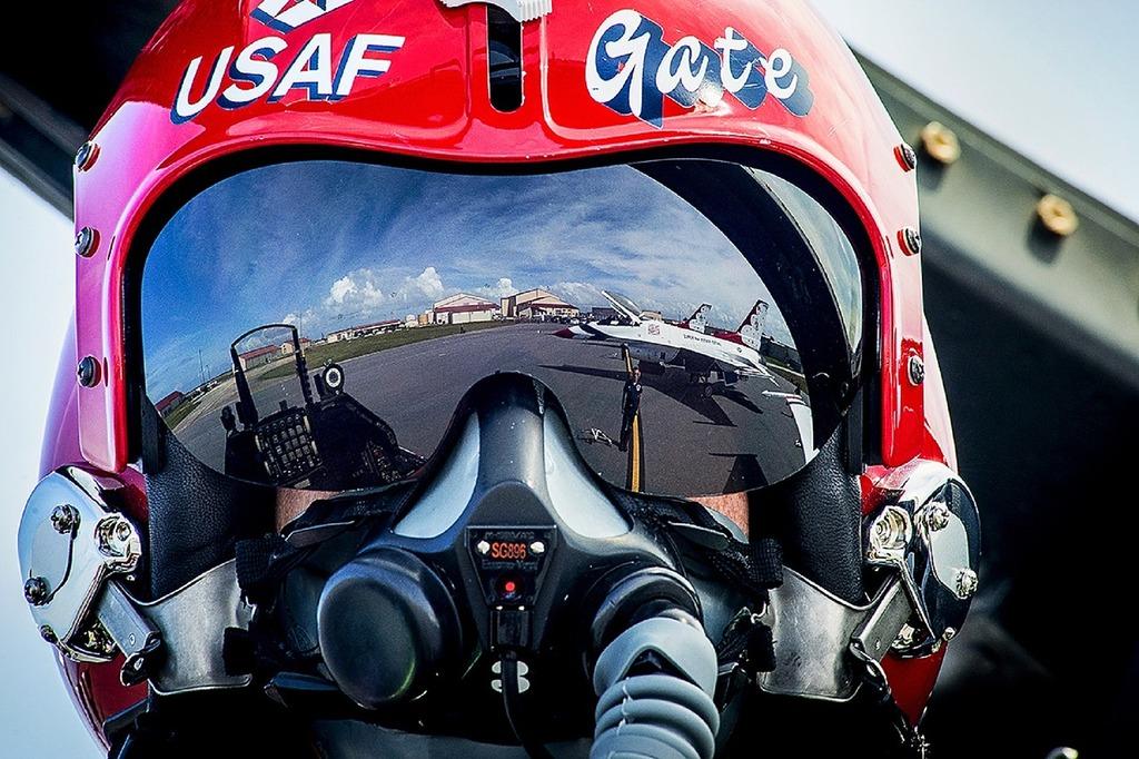 Pilot air force military.