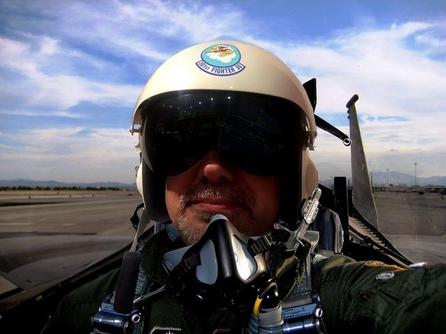 Pilot aircraft fighter.